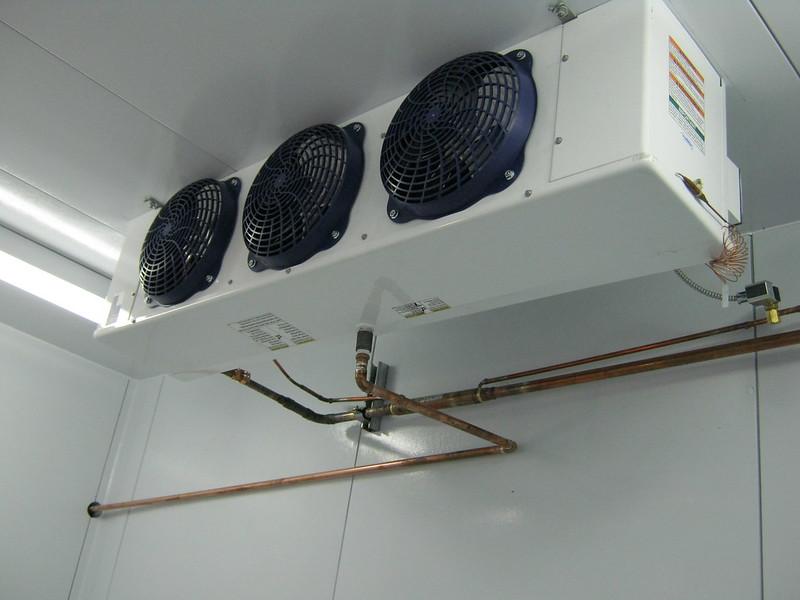 How contractors examine walk in coolers rapid lift for Walk in freezer motor