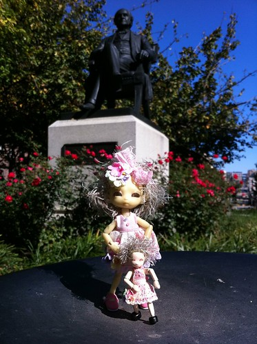 Visit'nZ George Peabody On's A LovelyMosT DaY by DollZWize