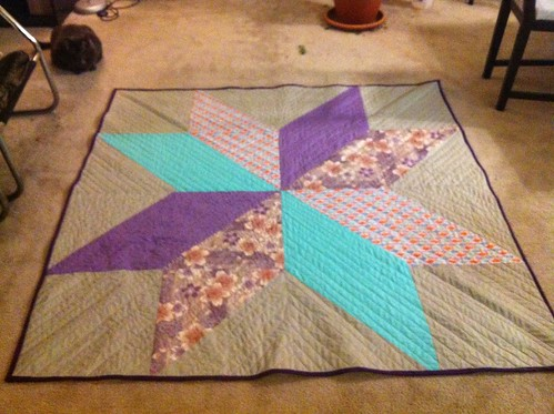 Flower star quilt by zaydia