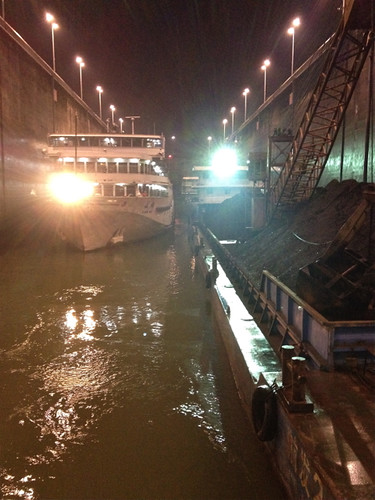 Three Gorges Dam - Inside the lock