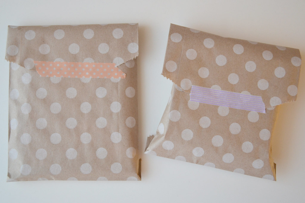 Simple gift wrap | livinglongingly.com