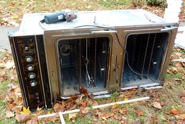 P1130767-2012-11-15-Range-Oven