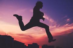 [フリー画像素材] 人物, 朝焼け・夕焼け, 跳ぶ・ジャンプ, シルエット ID:201211251600