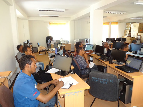 Developing GIS maps at the goblet tool training course (photo credit: C. Pfeifer)