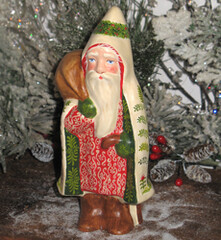 chalkware Santa from antique chocolate mold Border=
