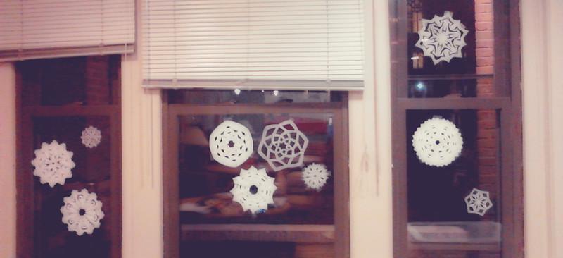 Dec 11: Paper Snowflakes