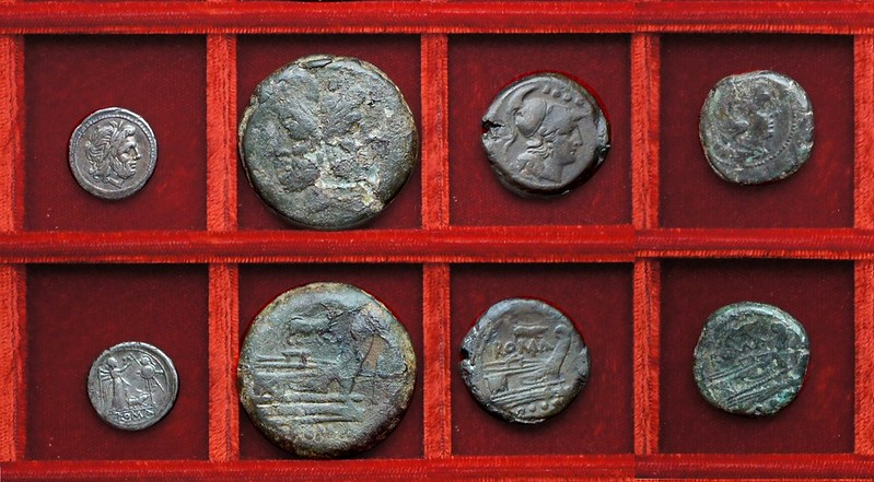 RRC 121 sow victoriatus and bronzes, Ahala collection, coins of the Roman Republic
