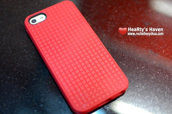 Speck PixelSkin HD case back view