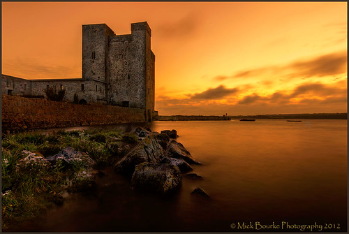 mickbourke oranmore canon60d sigma1020 fadernd exposure longexposure oranmorecastle galway castle sunset sky water landscape light rocks colours galwaybay