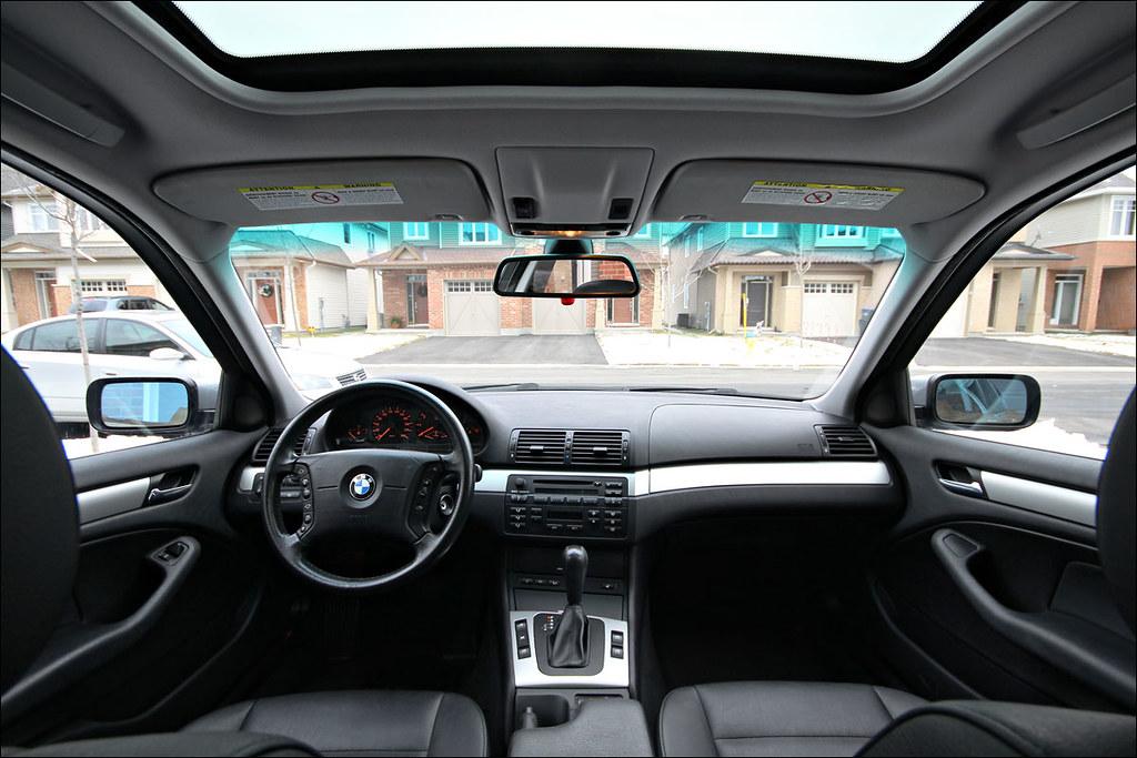 2004 BMW 325xi Interior