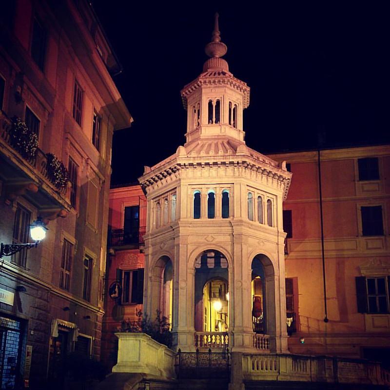 La bollente di Acqui, #bollente #acqui #acqua #h2o #exploring_shotz #exploreeverything #nexusnation #nexus5 #architecture #architecturephotography #onpix #night