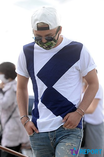 BIGBANG Incheon Airport to Shanghai Press 2015-06-19 029