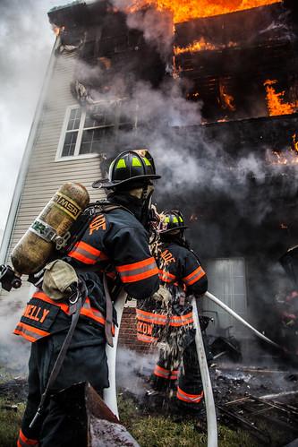 [フリー画像素材] 社会・環境, 災害, 職業・地位, 公務員, 火災・火事, 消防士, 風景 - アメリカ合衆国 ID:201211110400