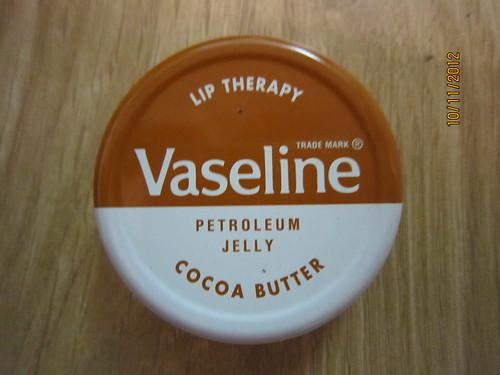 Bán Dưỡng môi Vaseline Lip Therapy with cocoa butter với giá 120.000 VNĐ