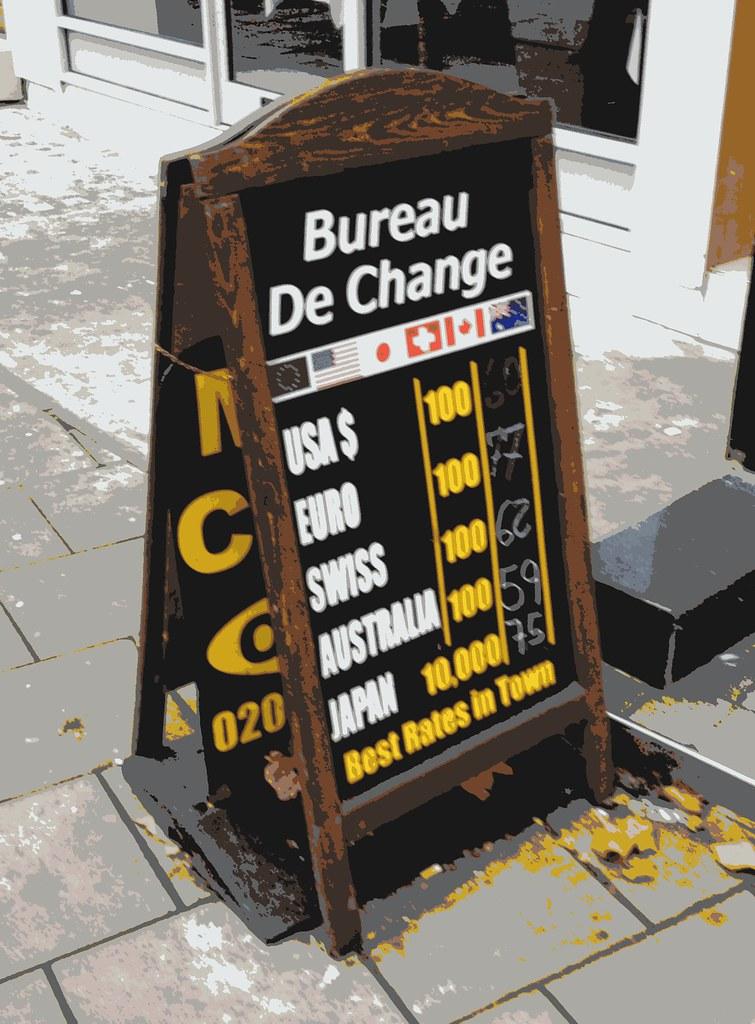 Bureau de Change rate blackboard King's Cross London 12th November 2012 9:39.43am