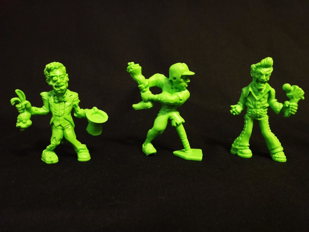 SLUG Zombies series 3Tragic Magic, Base-Hit Bones, Singer Mortis