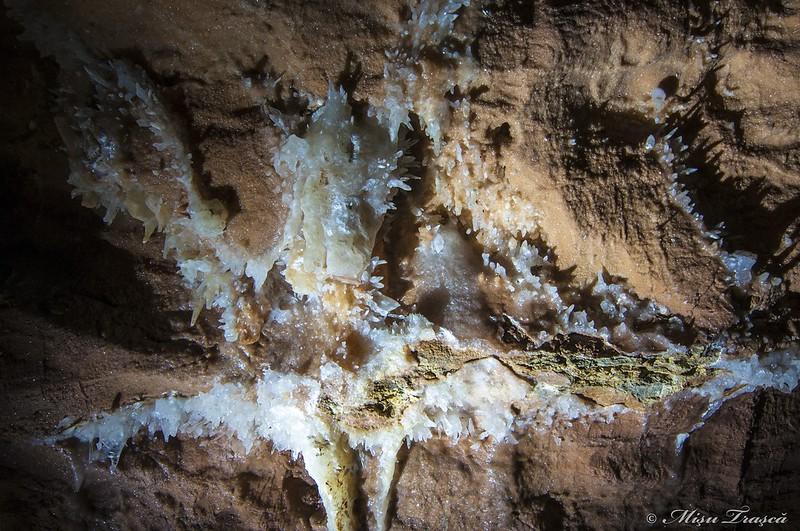 Peștera cu Cristale / Cristal Cave