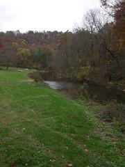 金, 2012-10-26 13:23 - Mercer's Mill Covered Bridge の近く