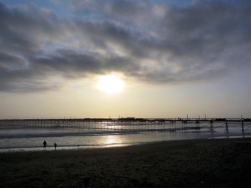 ocean sunset sea sky sol beach silhouette contraluz atardecer pier muelle tramonto mare sonnenuntergang sony cielo puestadesol silueta crépuscule ocaso backlighting anochecer crepuscolo silhueta coucherdusoleil dschx9v sonydschx9v