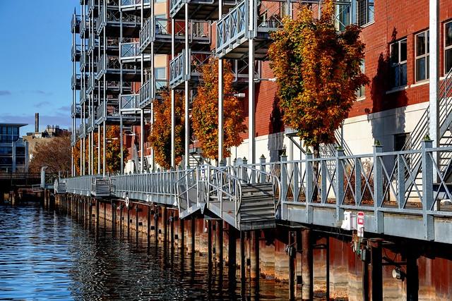 Autumn light on the Riverwalk along Hansen's Landing