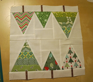Christmas-tablerunner-block1