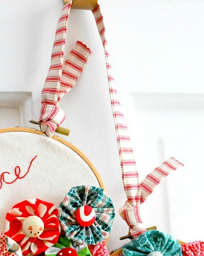 EmbroideryHoopWreath7