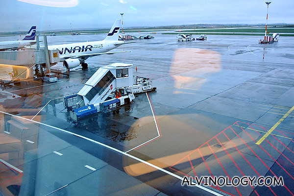 You can observe your Finnair plane from the lounge