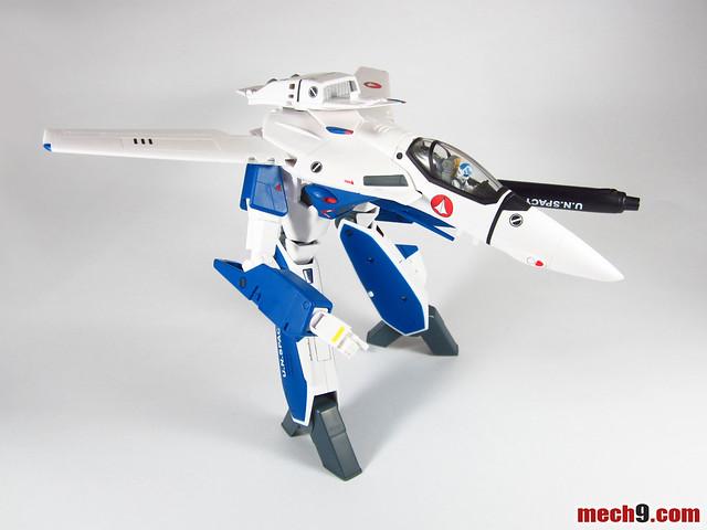 Yamato 1/60 VF-1A Maximilian Jenius Version