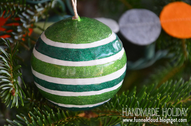 handmade holiday | painted glitter balls