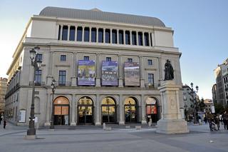 http://hojeconhecemos.blogspot.com.es/2012/12/do-plaza-isabel-ii-madrid-espanha.html