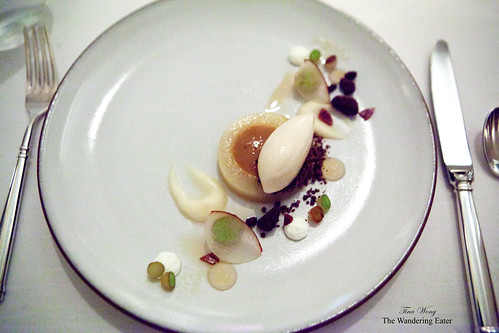 Poached pear with honey and acorn