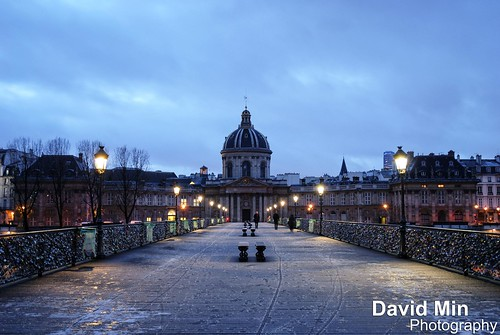 Paris, France - Snow In The Air @Ponts des Arts