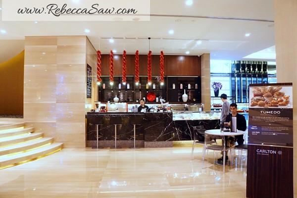 tuxedo - carlton hotel Singapore (32)