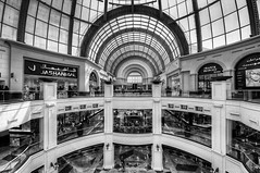 Mall of the Emirates BW