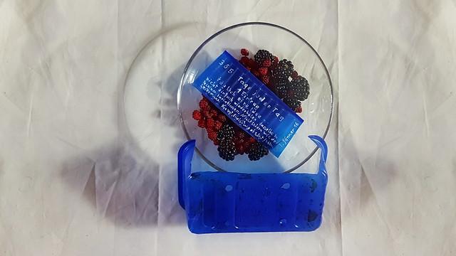 27. Juli Harvest (Garden) Japanese Wineberries, Blackberries Frühstück Ernte Garten Brombeeren Japanische Weinbeeren (Rosen) 365 Tage täglich eine Idee jeden Tag ein Eintrag. Konzept, Einrichtung, Webstuhlbau, Seitenteile ab 1. Sept. Weben ab 1. Jänner