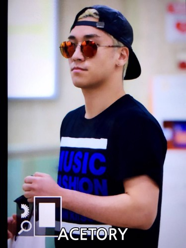 Big Bang - Gimpo Airport - 07jun2015 - G-Dragon - Acetory - 02