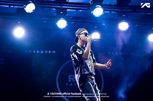 Taeyang_Facebook_BUSAN_concert_20140627 (9)