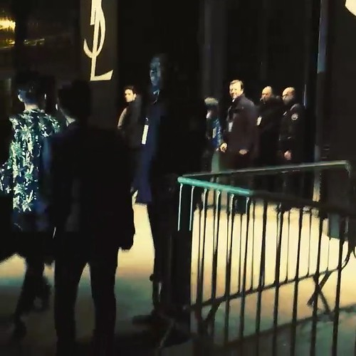 G-Dragon Saint Laurent Show Paris 2015-01-25 Videostills- 4