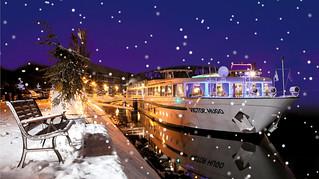 Crucero fluvial bajo la nieve.