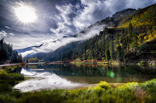 mountain lake misty clouds washington unitedstates bluesky foliage lensflare hdr leavenworth brightsun fallfoiage d5100 nikond5100