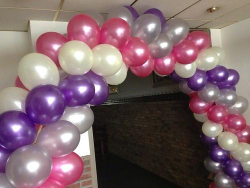 Ballonboog 6m Paars, Zilver, Fuchsia, Ivoor Zaal Beatrix Schiedam