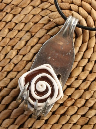 doityourselfperu pin stylehive agate pendant with fork caramel pendants by jewelry brazilian pinterest