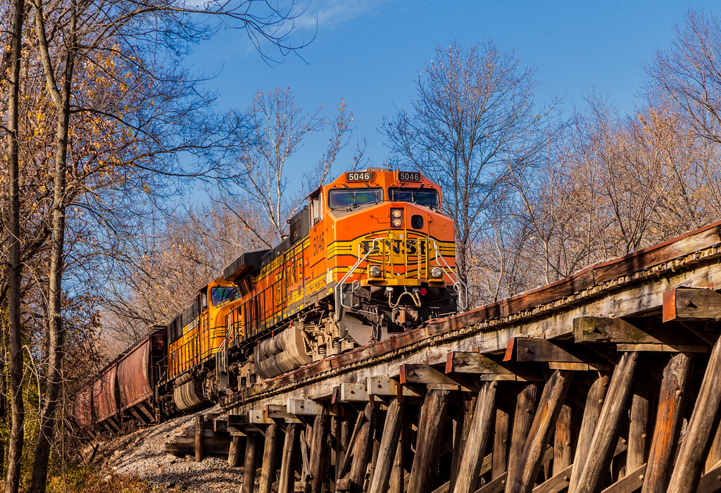 US---BNSF-5046_2---Mt-Vernon_IN---11-18-2012