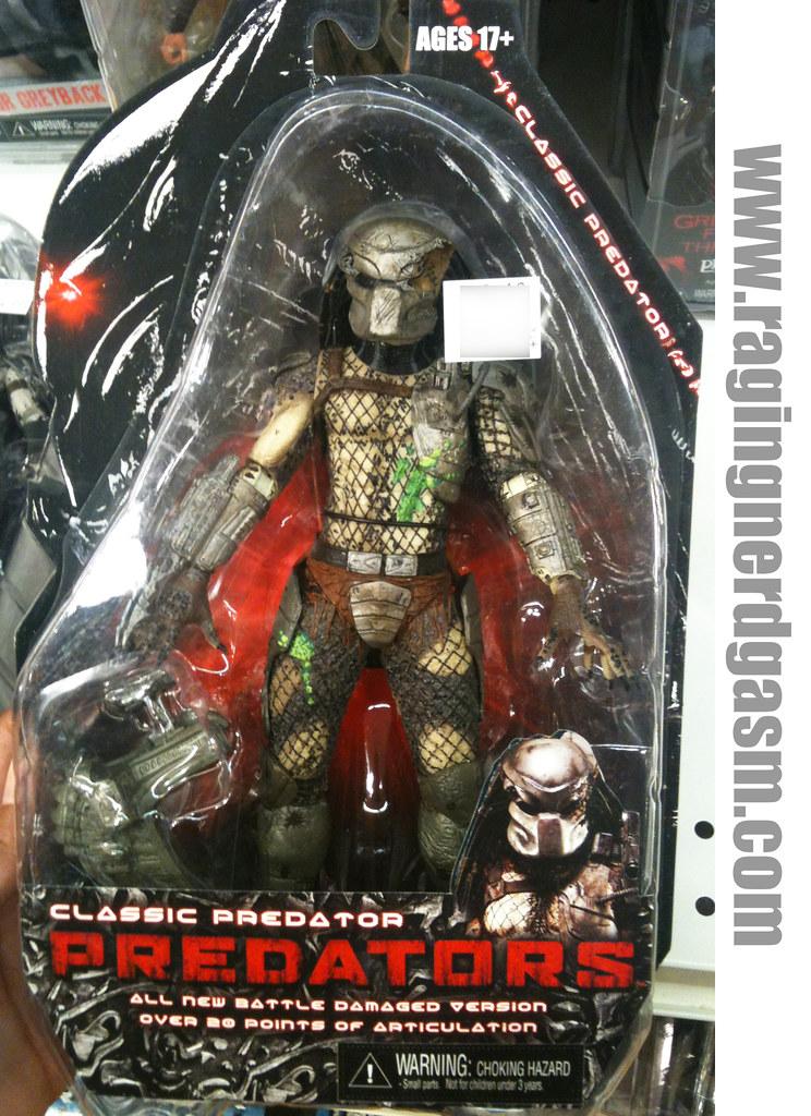 Classic Predators by NECA 002