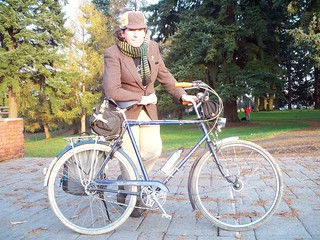 Myself and the Raleigh Wayfarer at Kenilworth Park