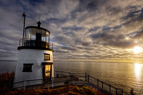 ocean lighthouse me sunrise coast maine newengland haunted paranormal hdr rockland owlshead keeper tonemapped trigphotography frankcgrace medadacut