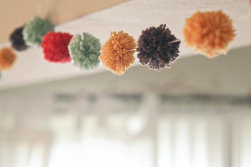 Yarn pom-pom garland