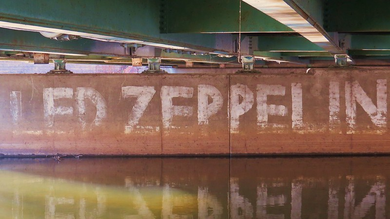 Zeppelin Graffiti