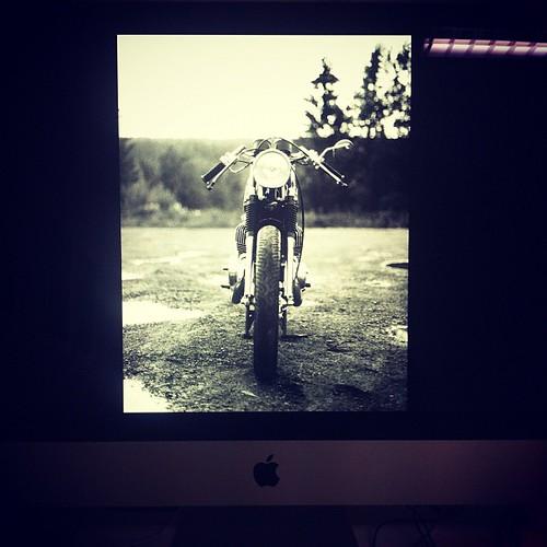 75x112 på alu. #print #aluminium #vintage #suzuki #t500 #caferacer #photographybynickitwang by nicki twang