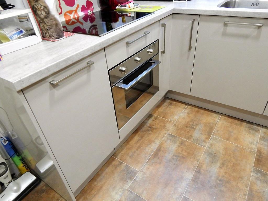Muebles de cocina cachemir alto brillo for Hornos compactos baratos